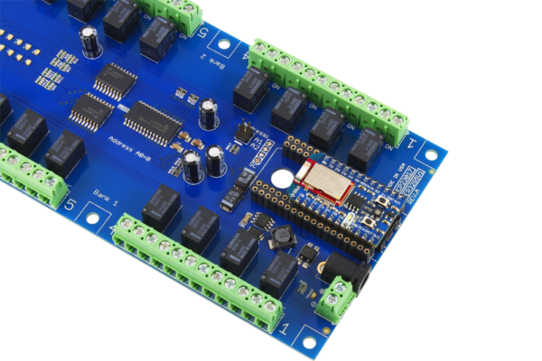 Bluz Bluetooth LE (BLE) Relay Shield 32-Channel 1 Amp