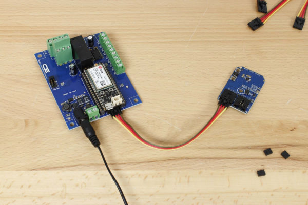 Cellular Temperature and Humidity Sensor with I2C DPDT Relay Board